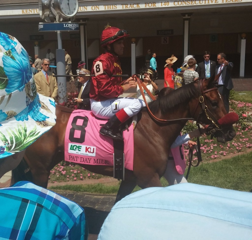 Peace and War may not have fired in the Pat Day Mile, but she looked gorgeous before it.