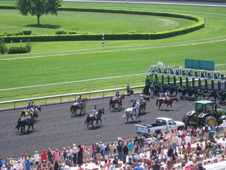 The crowd awaits a sunny Saturday of racing at Arlington.